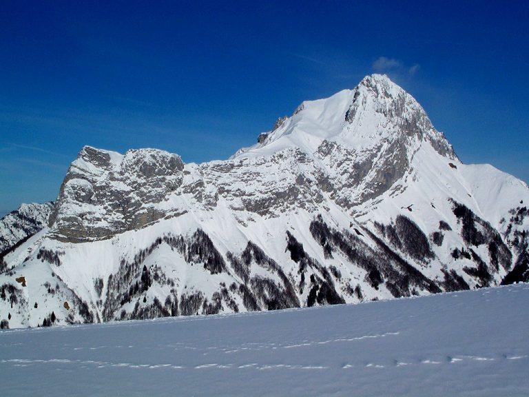photo photo paysage de montagne en hiver